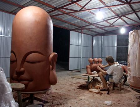 3ttman-sculpture-hanoi10.jpg